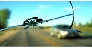 driving with cracked windscreen